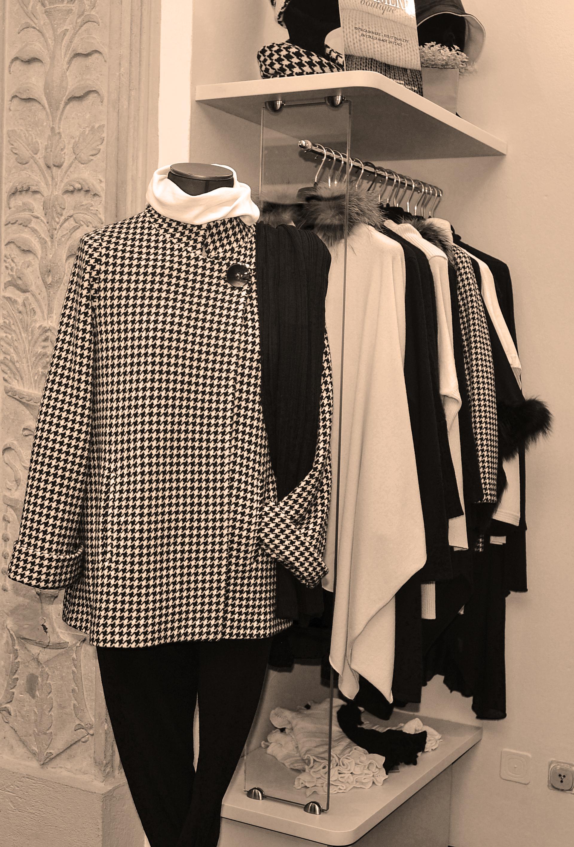 b6bbc24bd736 Cashmere Boutique nasce nel 1990 come punto vendita nel centro di Milano  specializzato in maglieria in puro cashmere. Nel 1999 si trasferisce nell  show room ...